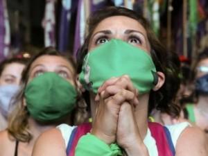 Abortus legalizavusi Argentina tikisi paskatinti pokyčius ir kitose Lotynų Amerikos šalyse