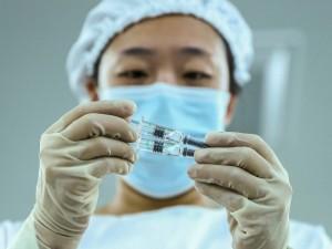 Kinų vakcinos – dar vienas politinis įrankis?