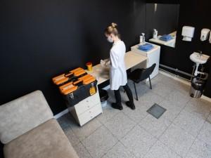 """""""Camelia"""" vaistinėse įrengti pirmieji kabinetai, atitinkantys reikalavimus skiepijimui"""
