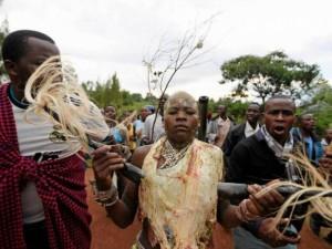 Kaip Kenijos berniukai tampa vyrais