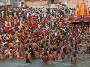 Indija: tikėjimas dievu nugalės viruso baimę
