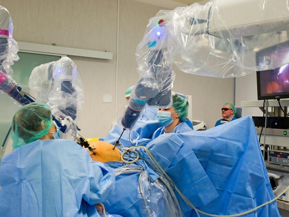 Robotinė chirurgija Klaipėdoje: daugiau nei pusė tūkstančio operacijų ir mintys apie plėtrą