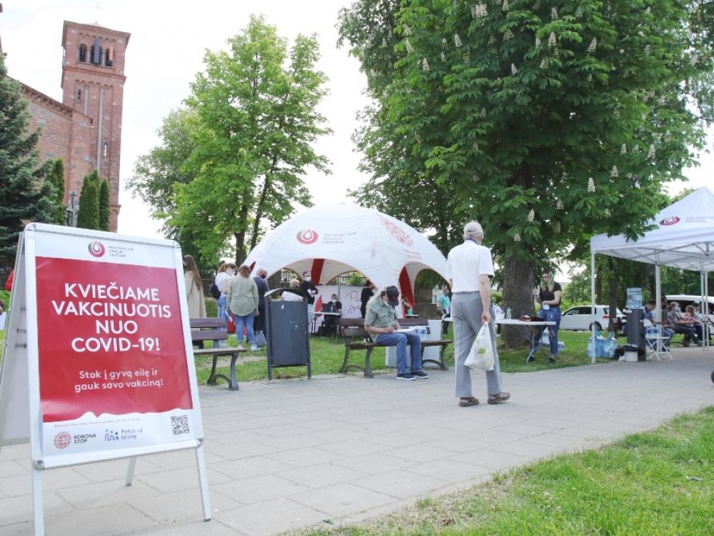 Vasara skiepams ir kraujo donorams