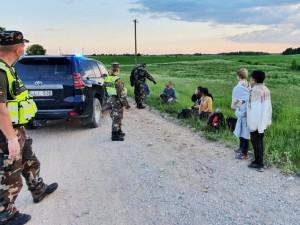 Pabėgėliai taikiai izoliuojasi, tačiau skiepytis nenori