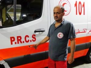 Palestinos medikai aukas dengia savo kūnu