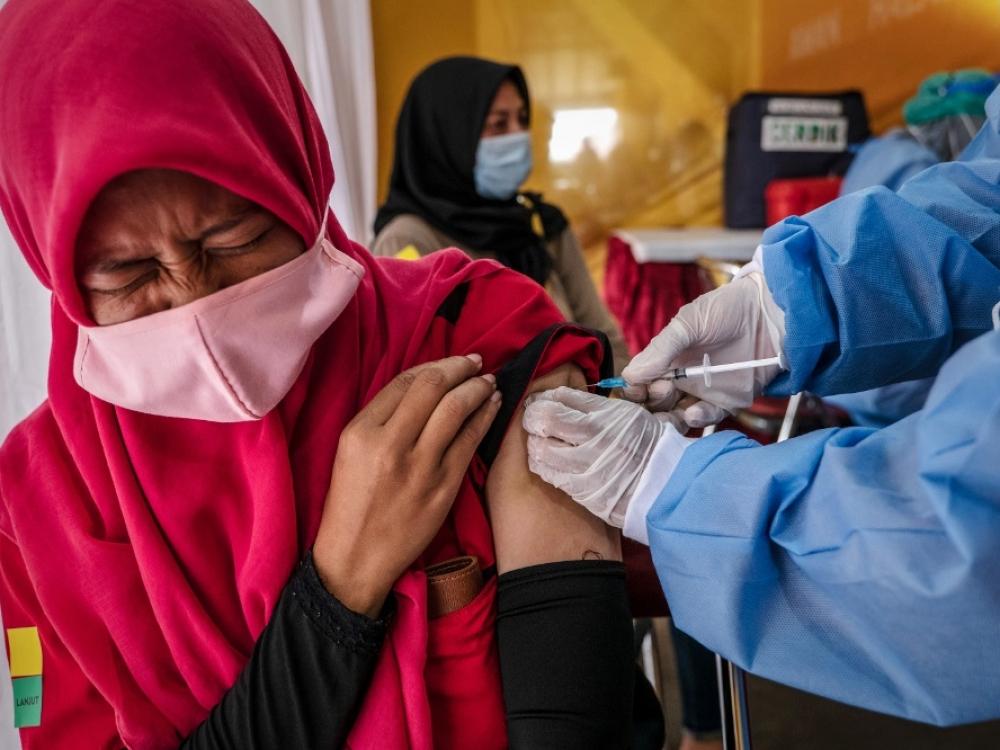 Pietryčių Azija nepasitiki kinų vakcinomis