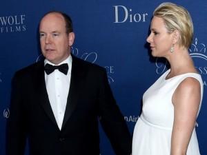 Monako princo Alberto žmona laukiasi dvynių