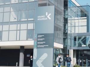 Kauno Kolegija kreipėsi į Seimą: prašo leisti farmakotechnikams skiepyti nuo COVID-19