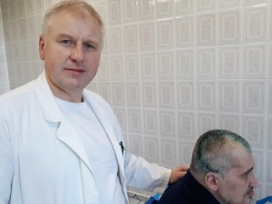 Šiaulių neurochirurgai pirmą kartą panaudojo individualų kranialinį implantą