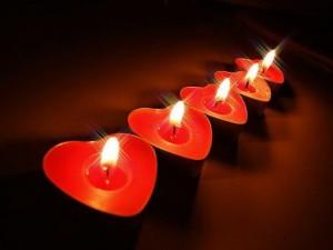Sostinės centre suliepsnos 1138 žvakutės organų donorams pagerbti