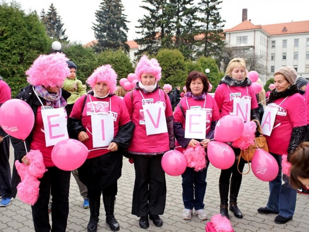 """Tradicinis draugijos """"Eivena"""" renginys - su krūties vėžiu susidūrusioms moterims"""