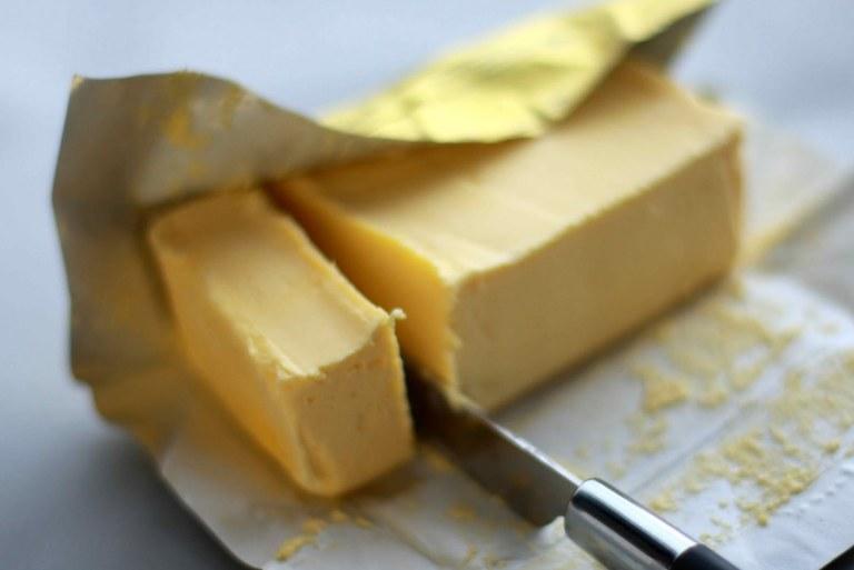 Sviestas ar margarinas. Kurį pasirinkti?