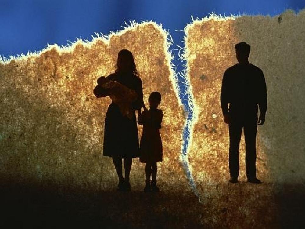 Programa suaugusiesiems, patyrusiems tėvų skyrybas ar nedarną šeimoje