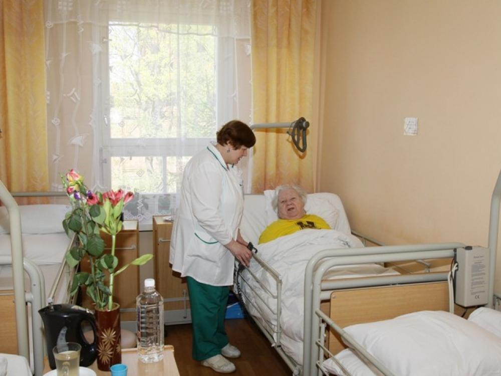 Senstančios visuomenės slaugos problemoms spręsti reikia politinės valios