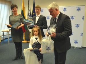 Odontologų rūmuose - vaikų piešinių konkurso laureatų apdovanojimo šventė