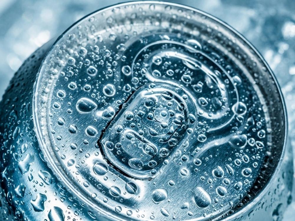 Saldūs gazuoti gėrimai turi įtakos menstruacijų pradžiai