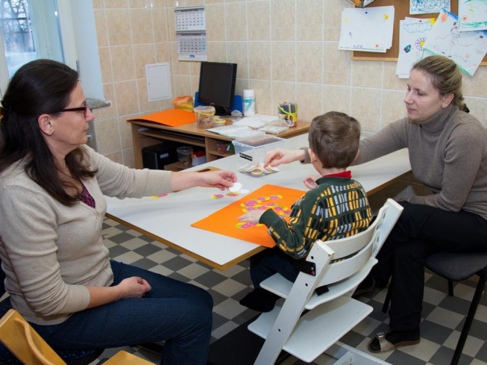 """Norvegijos ambasadorius aplankė Vaikų reabilitacijos ligoninę """"Lopšelis"""""""