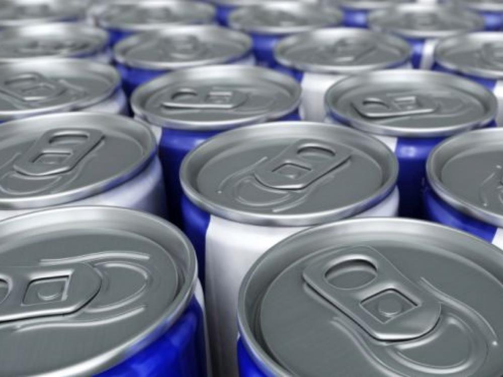 Nubausti nepilnamečiams energinius gėrimus pirkę asmenys