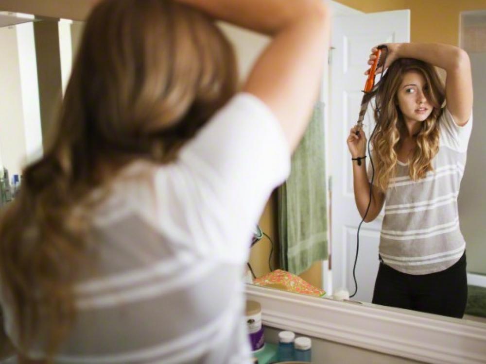 Plaukų grožiui po žiemos atkurti – pirktinės ir naminės priemonės