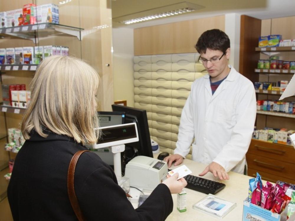 Seimas priėmė Farmacijos įstatymo pataisas dėl farmacinės rūpybos