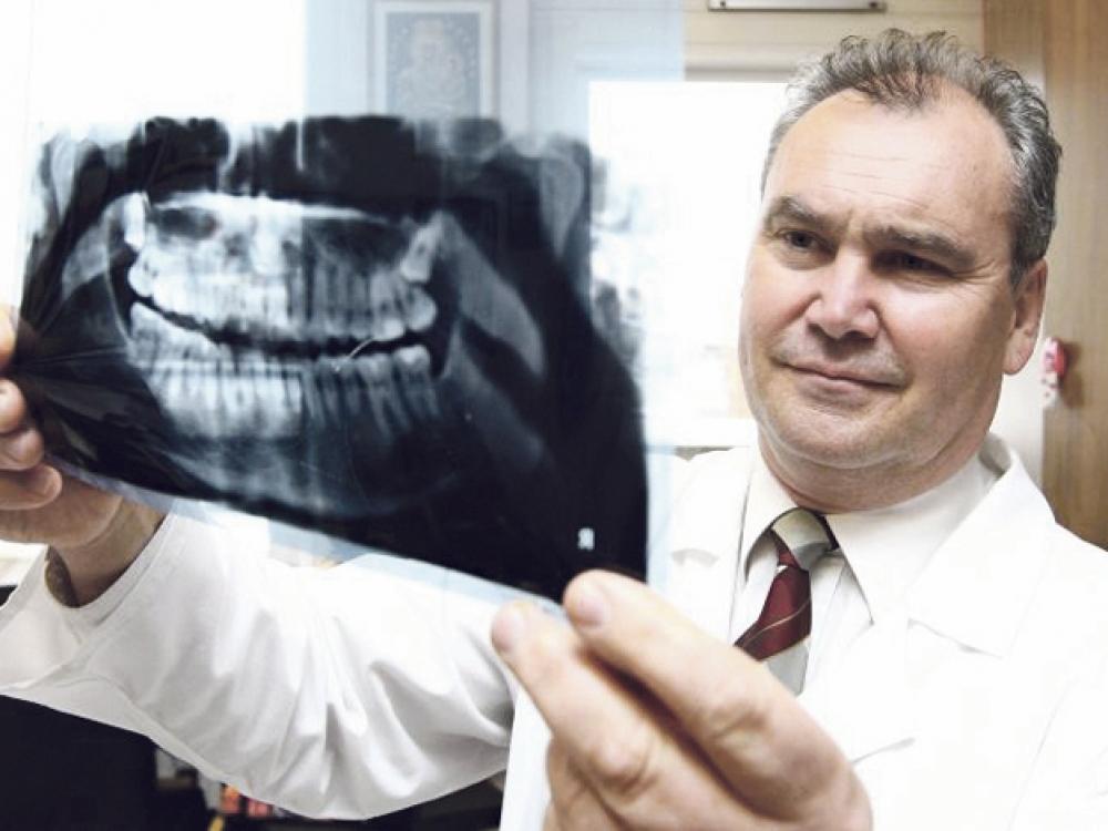 """R.Kubilius: """"Holivudinės šypsenos dantys prižiūrimi nuo vaikystės"""""""