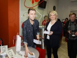 Populiarus dainininkas skatins neatlygintiną donorystę
