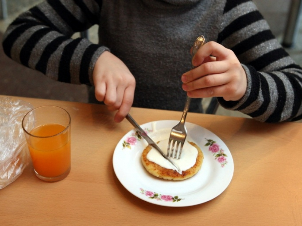 """""""Kretingos maistas"""" į mokyklų valgyklas tiekė nesaugius ir nekokybiškus patiekalus"""