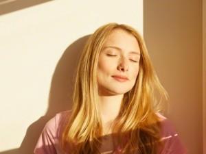 Alergija saulei – neišgydoma, bet kontroliuojama
