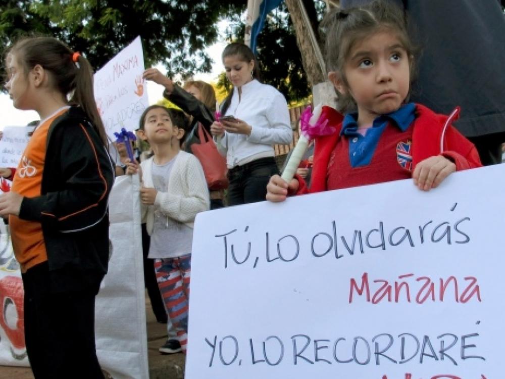 Mergaitės išprievartavimas suskaldė Paragvajų
