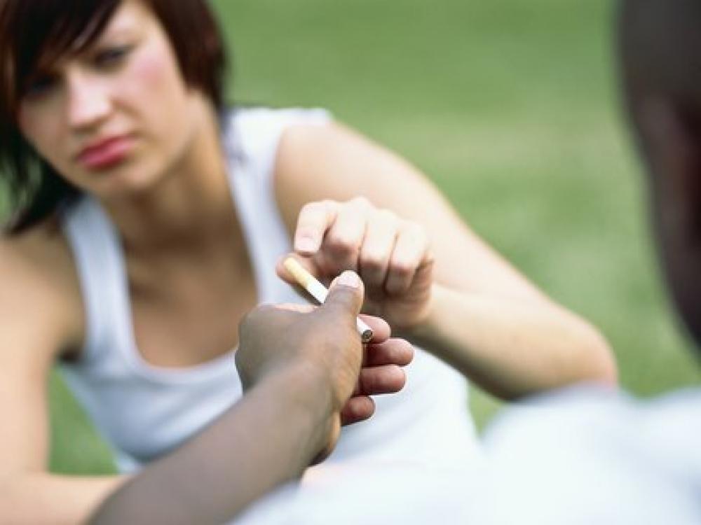 Rūkančius nepilnamečius policijai įduoda ir mokytojai