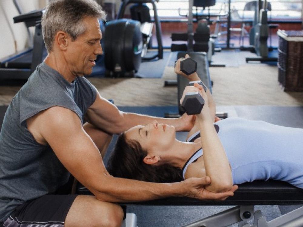 Raumenų skausmą po treniruotės galima apmalšinti