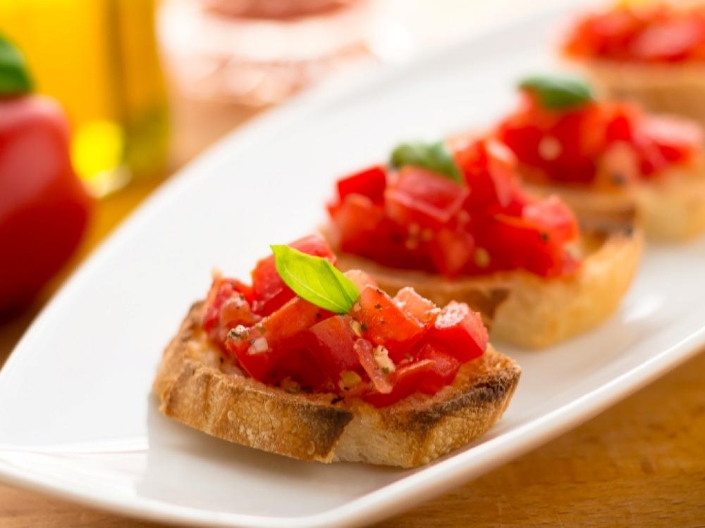 Iš sumuštinio istorijos: itališkoji brusketa