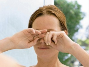 Akių traiškanojimas gali byloti apie ligą