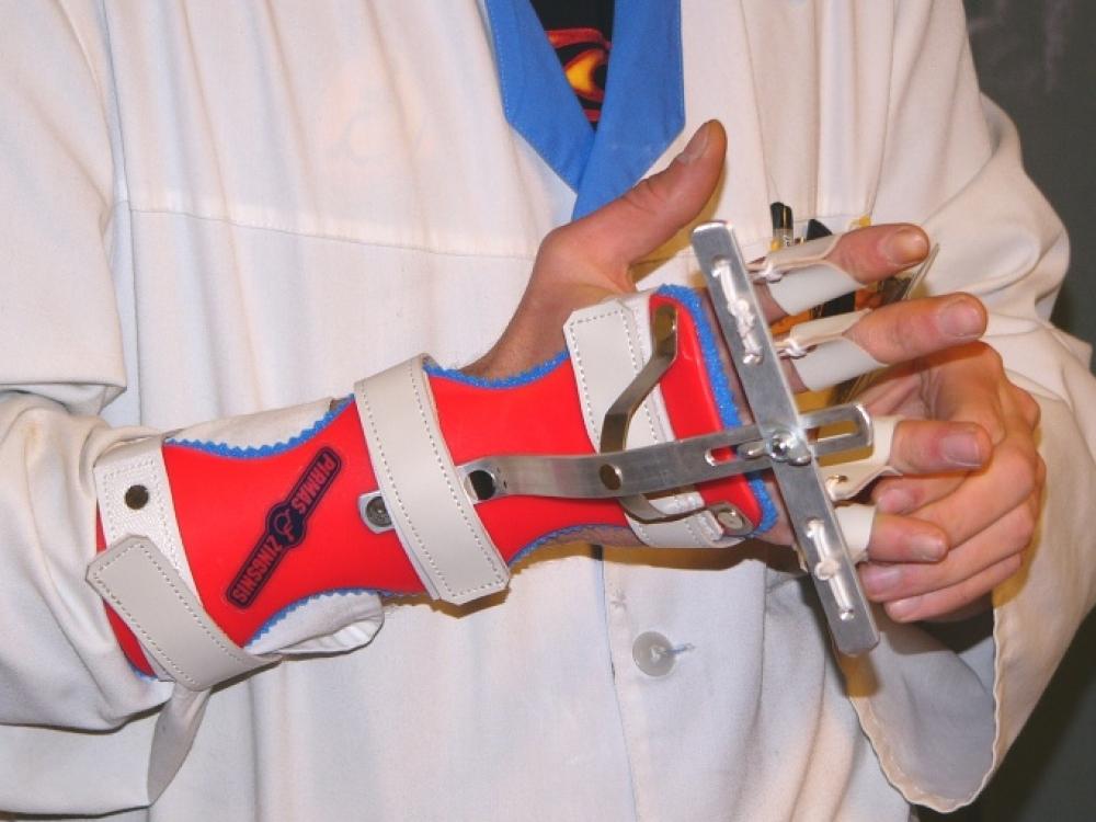 Ortopedai traumatologai, ortopedinių priemonių gamintojai tikina, kad dėl  kelių piktnaudžiavimo atvejų šešėlis mestas visoms jų bendruomenėms.