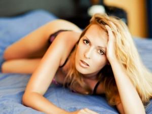 Priklausomybė nuo virtualaus sekso: kuo rizikuoja moterys