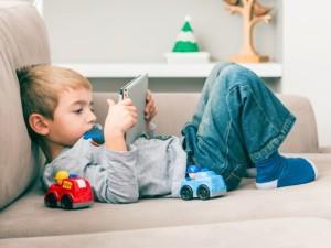 Išmanusis telefonas vaikui – draugas?