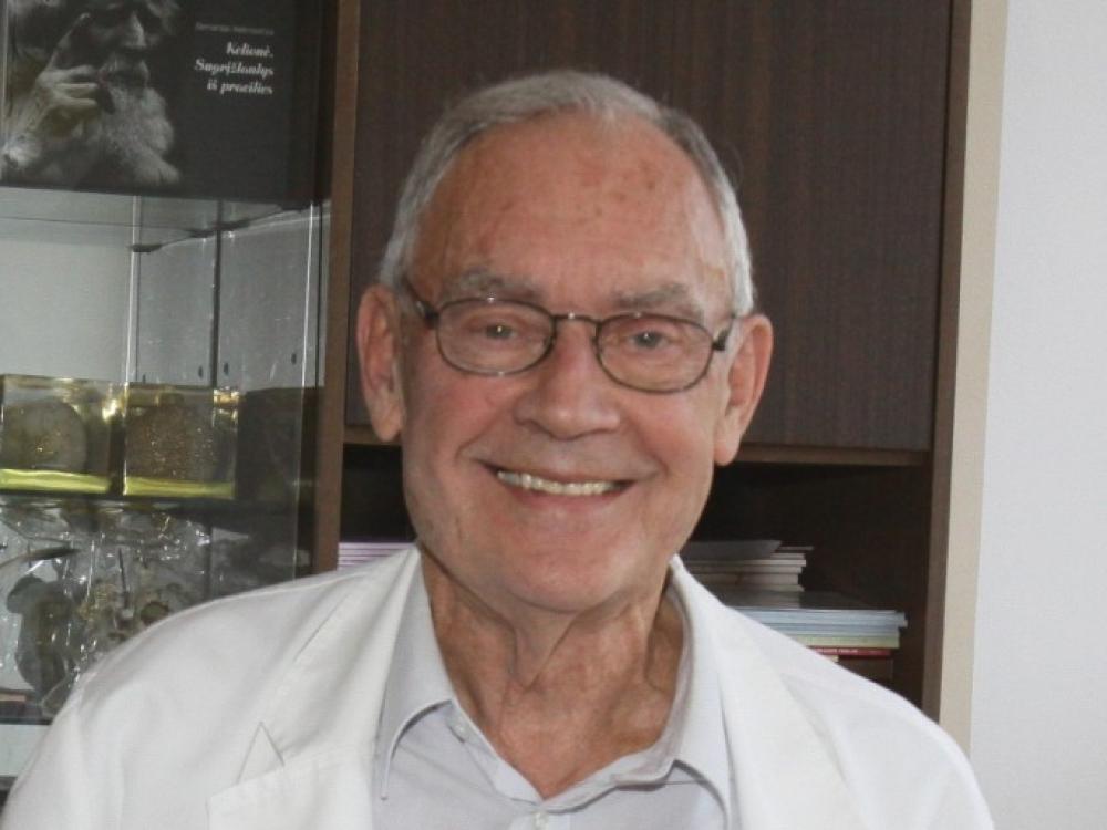 """Prof. V.J.Triponis: """"Kraujagyslių chirurgija anuomet buvo romantiška sritis"""""""