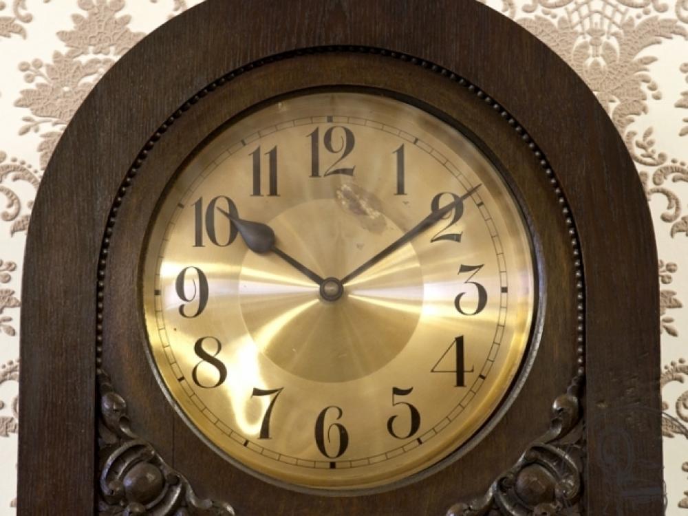 Pašto siunta su antikvariniu laikrodžiu sukėlė pavojų sveikatai