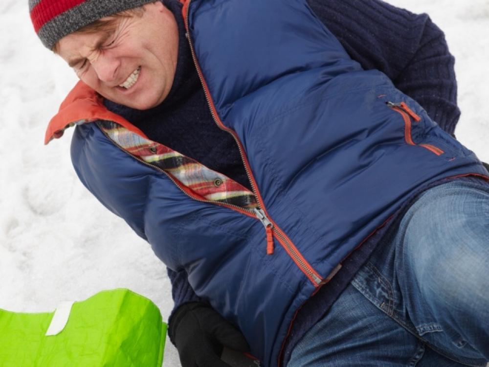 Jeigu griūnate ant ledo – kriskite kaip maišas