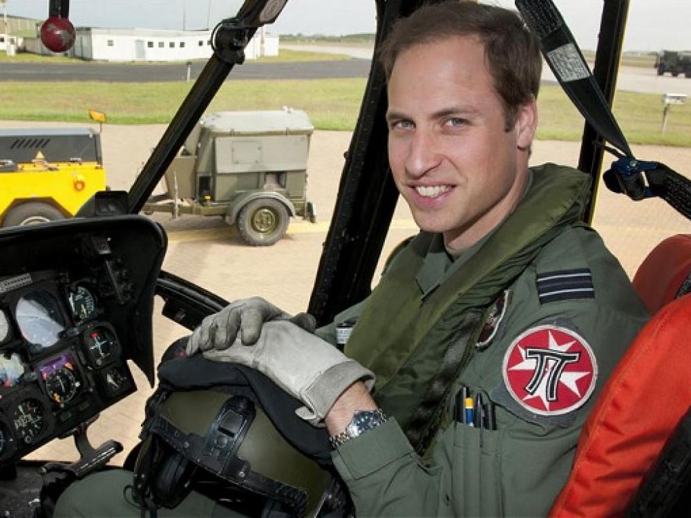 Princas Viljamas taps greitosios pagalbos sraigtasparnio pilotu