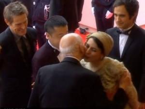 Už bučinį Irano aktorė gali būti viešai plakama rimbu
