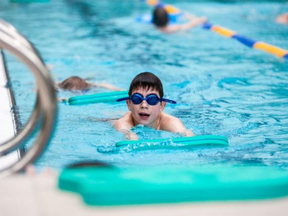 """Vasaros plaukimo mokyklėlė """"Super Varlytė"""""""