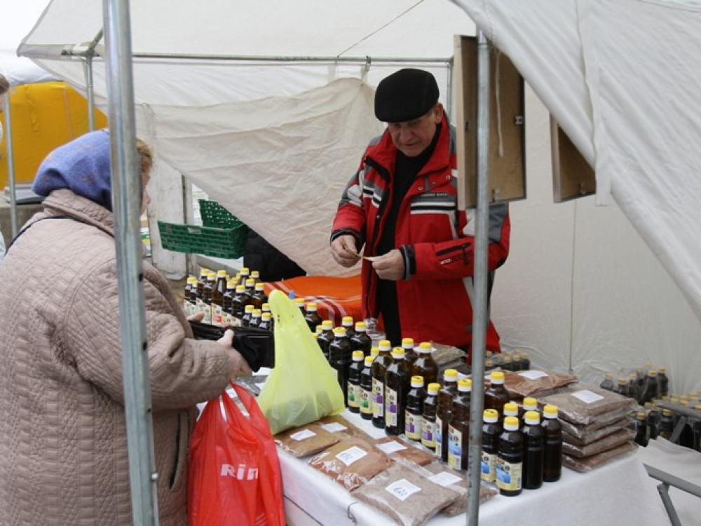 Kaziuko mugėje: arbatos, medus, aliejai ir visa kita gausybė natūralių produktų