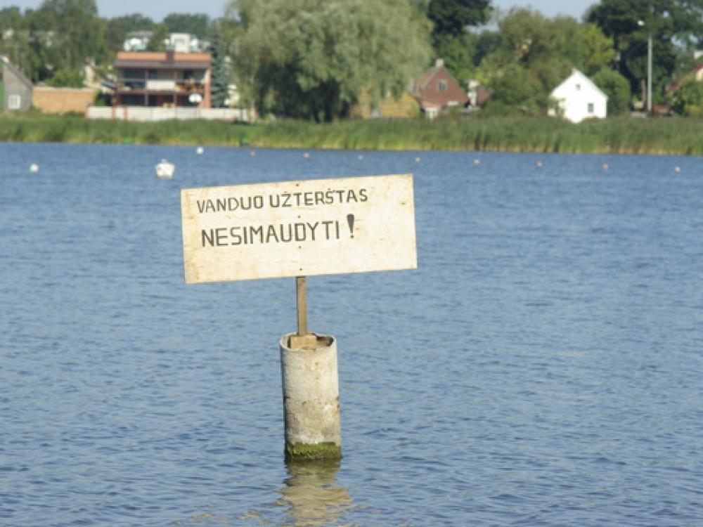 Ežero valymas chemikalais - tik nekaltas eksperimentas?