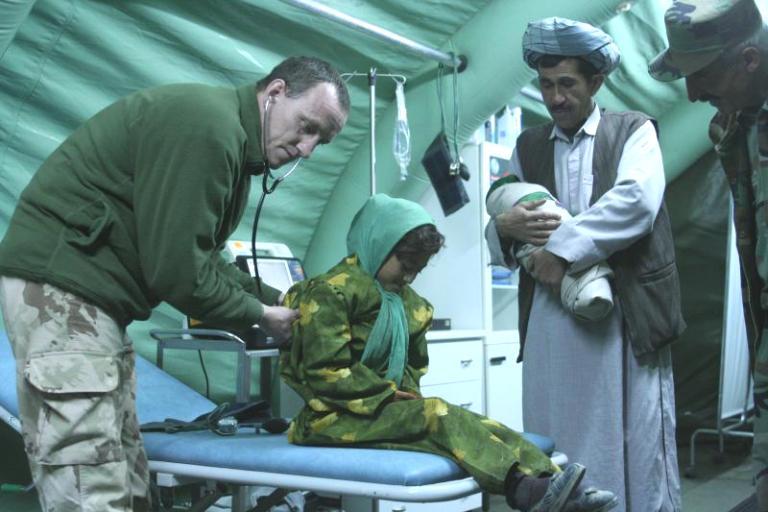 Misija – karo mediciną paversti patrauklia