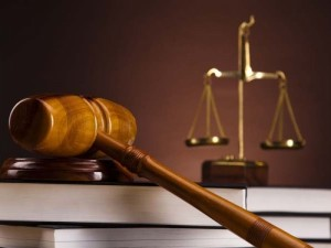 Klevų sirupu sūnų nuo meningito gydę tėvai stojo prieš teismą