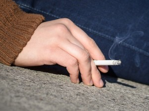Nykiai smilksta nepilnamečių noras rūkyti