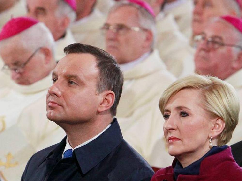 Pirmosios ponios tyla dėl abortų griauna Lenkijos vienybę
