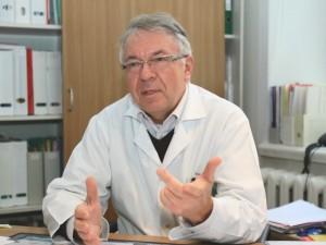 """Prof. Arvydas Ambrozaitis: """"Vakcinomis valdomų ligų sergamumo sumažėjimas padarė meškos paslaugą"""""""
