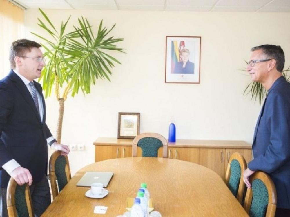 Valstybė ir farmacijos pramonė sutarė tęsti bendradarbiavimą